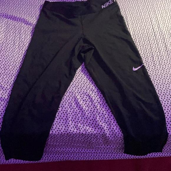 Nike women's Capri leggings—size large